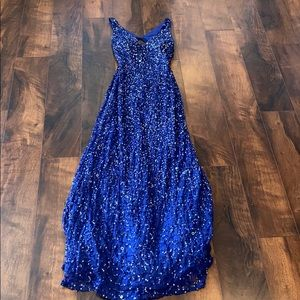 Glamorous Blue Adrianna Papell Prom Dress!